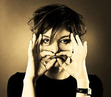 Sanne Wallis de Vries - Gut - try-out